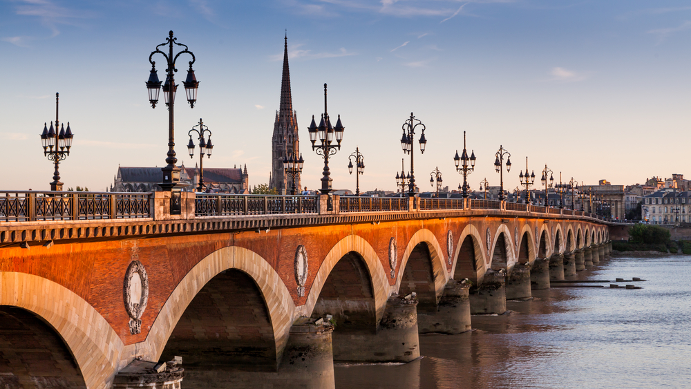 Explore Bordeaux by boat