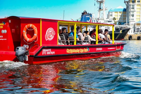 A lady at the helm – City Sightseeing's First Female Skipper