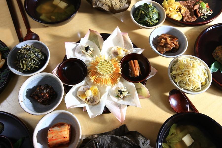 South Korean banquet
